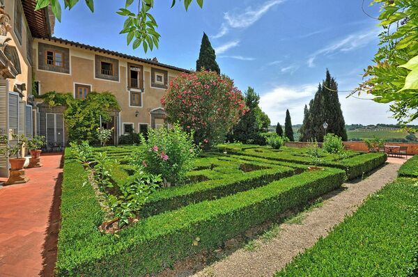 Grounds Montegufoni Castle
