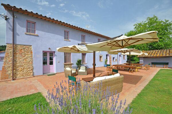 Villa Marginone sleep 17 private pool lucca