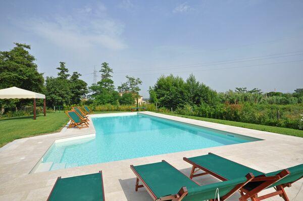 Villa Marginone pool