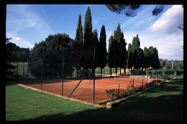 Tennis court at Castelletto, Tuscany