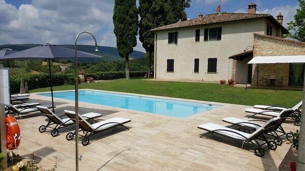 Apartments walk to town san gimignano pool - podere degli olivi