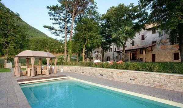 Villa gubbio umbria sleeps 20
