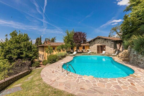Villa Londa, sleeps 20, tuscany