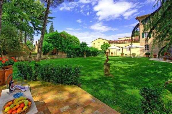 Villa Lorenza sleeps 22 private pool + children's pool
