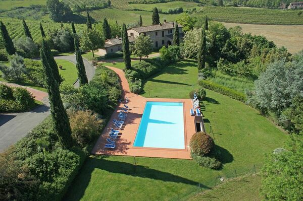 Villas with pool to sleep 26 - 30 people : Villa Colline near Montaione, Tuscany