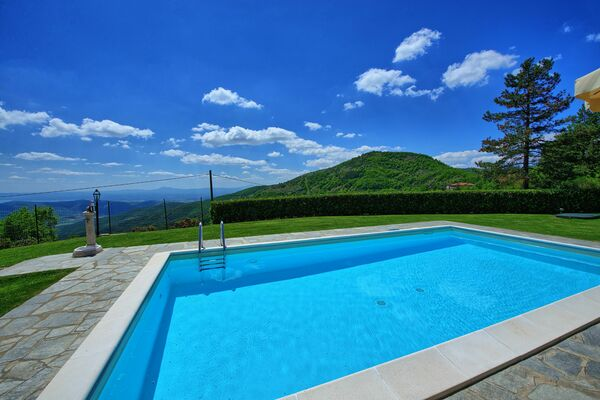 Private pool  spectacular views Villa Portole 2