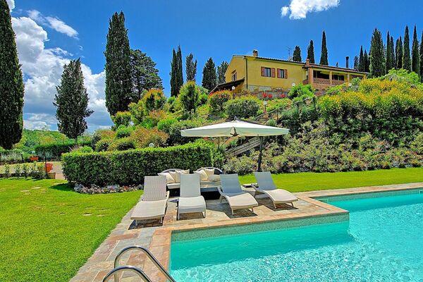 Villa Sabrina, sleep 7, private pool