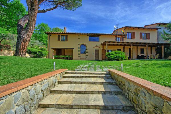 Villa Morandi, sleeps 14, good value for money