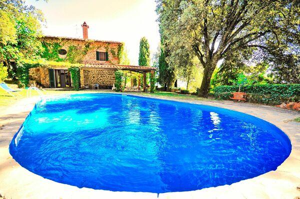 Villa Ulivacci, sleep 9, private pool