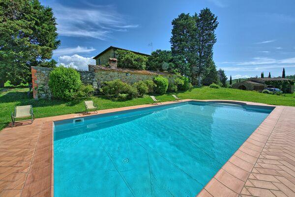 Villa Sodi sleeps 16 private pool