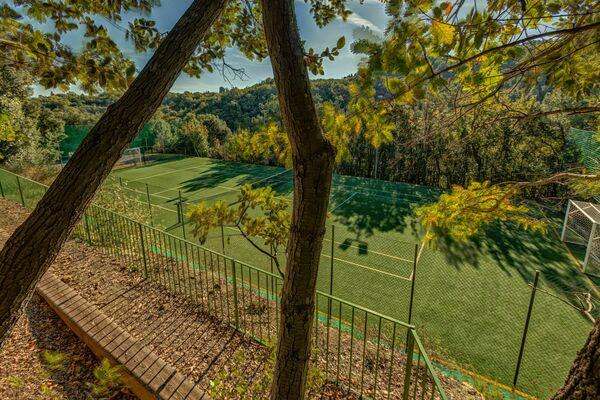 Tennis court at Montaione