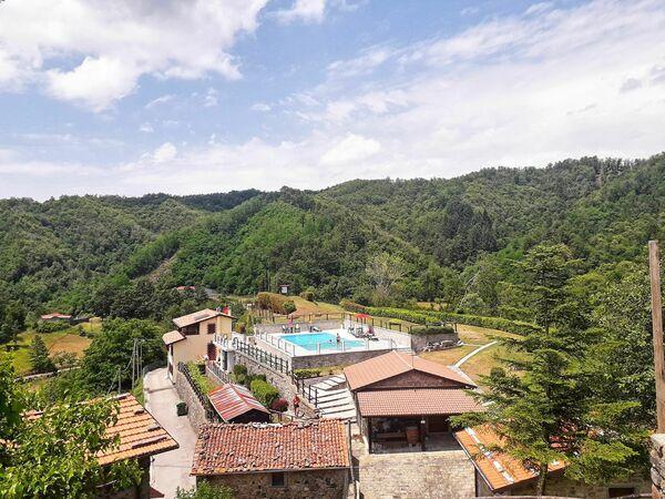 Mountain villa pool tuscany casa castagnola