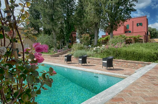 Tenuta Cambiano tennis court private pool sleeps 17