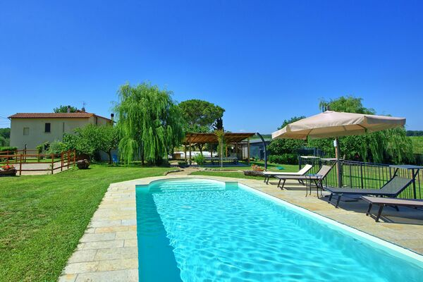 sleep 4, private pool, casa violina, tuscany